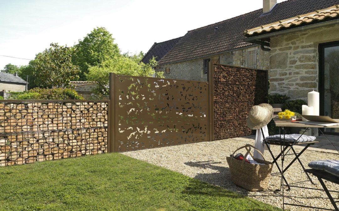 Nos conseils pour choisir une clôture de maison élégante et sécurisée